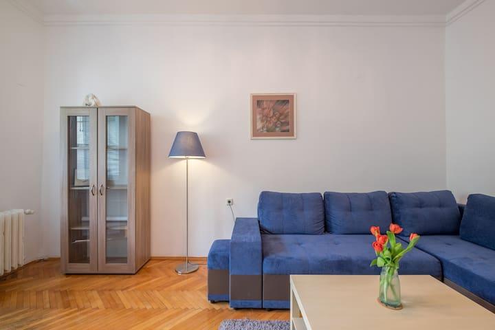 Brand new flat, unbeatable location