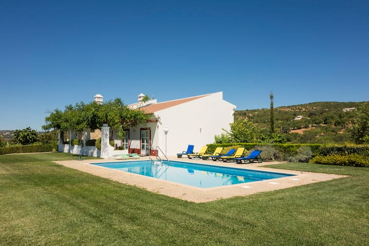 Countryside villa near the sea - Estoi - House
