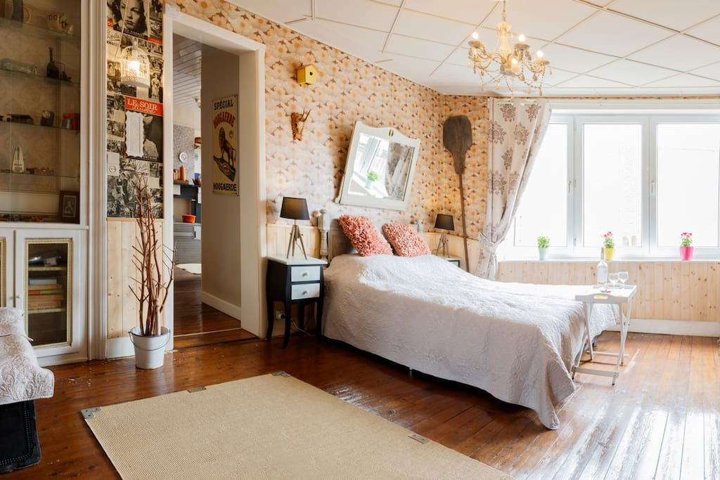 slaapkamer 1 : groot bed met dubbele boxspring