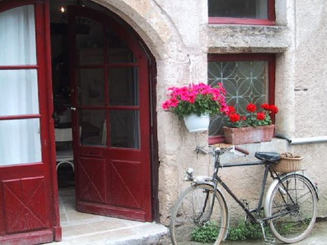 Magical & Medieval Maison d'Être - Saint-Cirq-Lapopie - Haus