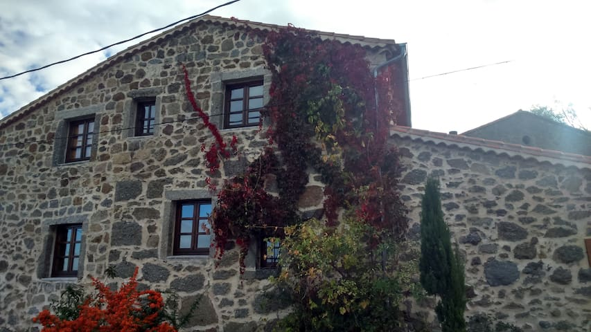 Smart cottage in Gredos, Avila - El Mirón
