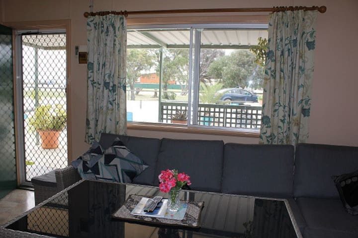 Jurien Beachfront Holiday units  self-contained