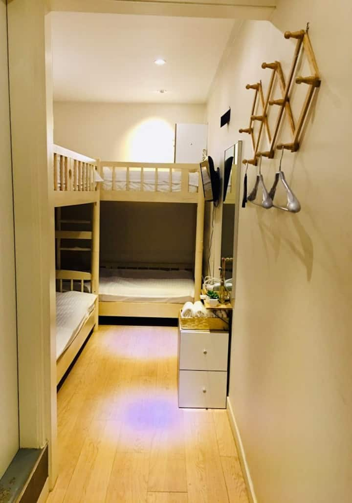 Hi Guesthouse 하이게스트하우스 1 bed in female dormitory