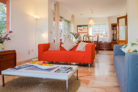 La Casa Roja Tropical B&B-Guayaba - Almuñécar - Inap sarapan
