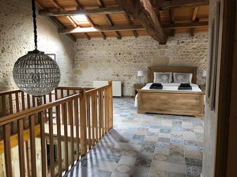 Detached house + private pool mins from Aubeterre