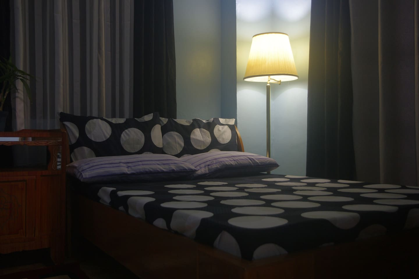 Full sized bed perfect for couples who wish to cuddle in a cold climate ;)