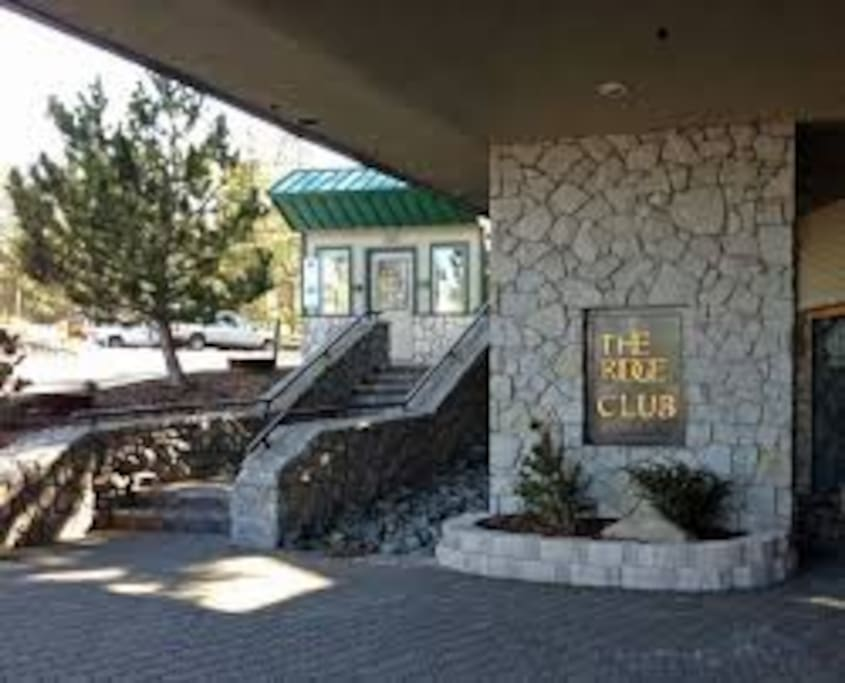 2 Bedroom Suite At The Ridge Tahoe Tower Condominiums For Rent In Stateline Nevada United States