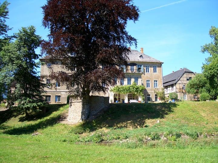 Ländliches Schloss.
