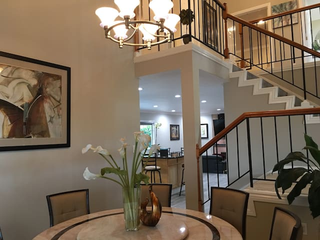 Beautiful Vacation House in OC