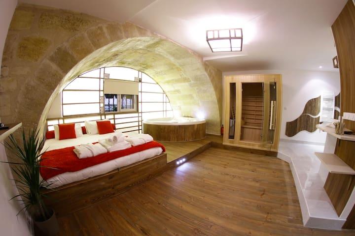 Loft & Spa Bordeaux - Jacuzzi, Sauna, Grand écran