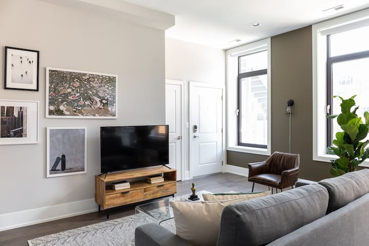 Sonder | Greektown Suites | Warm 1BR + Rooftop