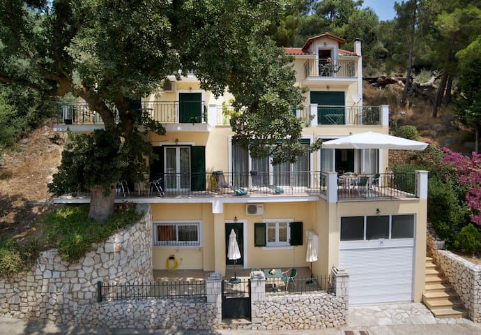 Faos Studio Apartment - Agia Effimia - Apartment