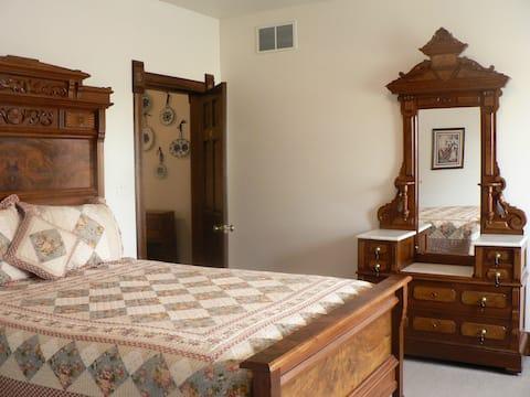C&W Ranch B&B Victorian Room