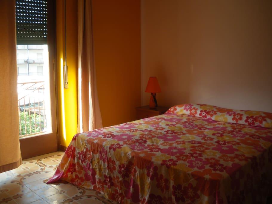 camera quadrupla con balcone e aria condizionata