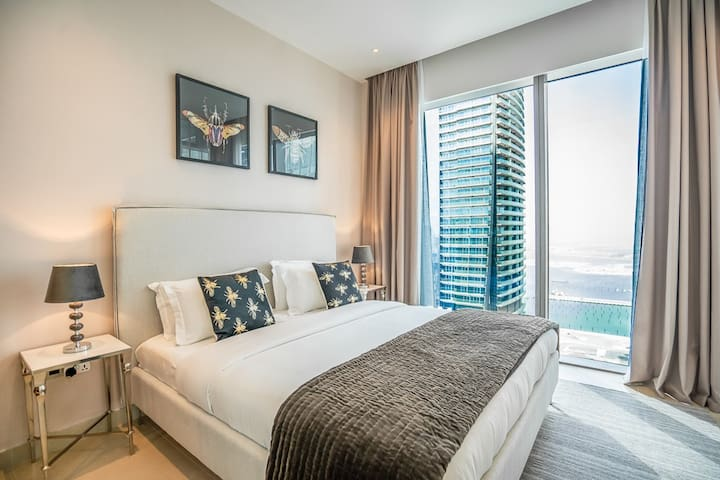 Luxury Modern 2BR apt in Dubai Marina Gate