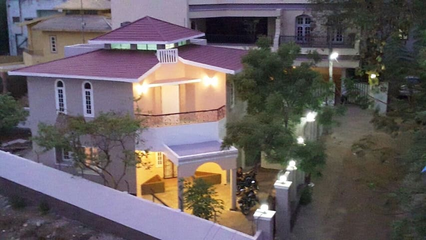 WoodView Villa - GuestHouse