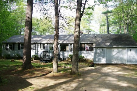Renovated Lake House with Game Room - Ossipee