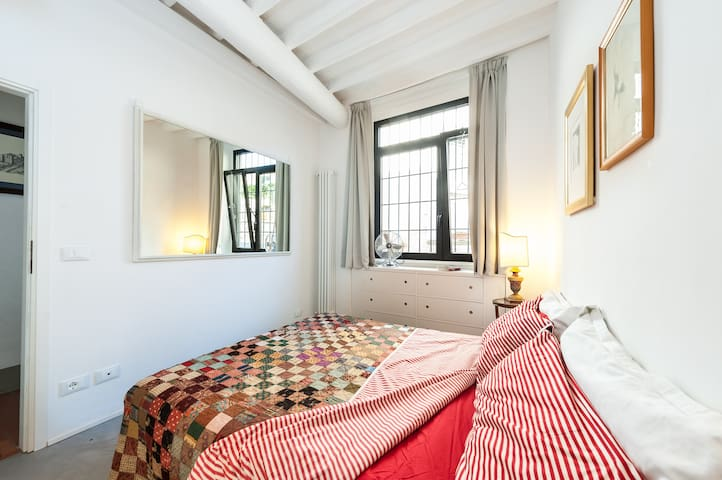Cozy Florence studio with WIFI - Florence - Apartemen
