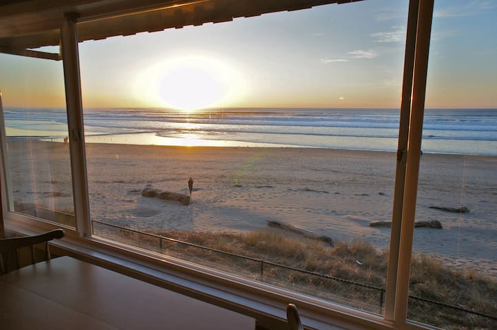 Otter Space - Insane Ocean View! - Lincoln City - Apartment