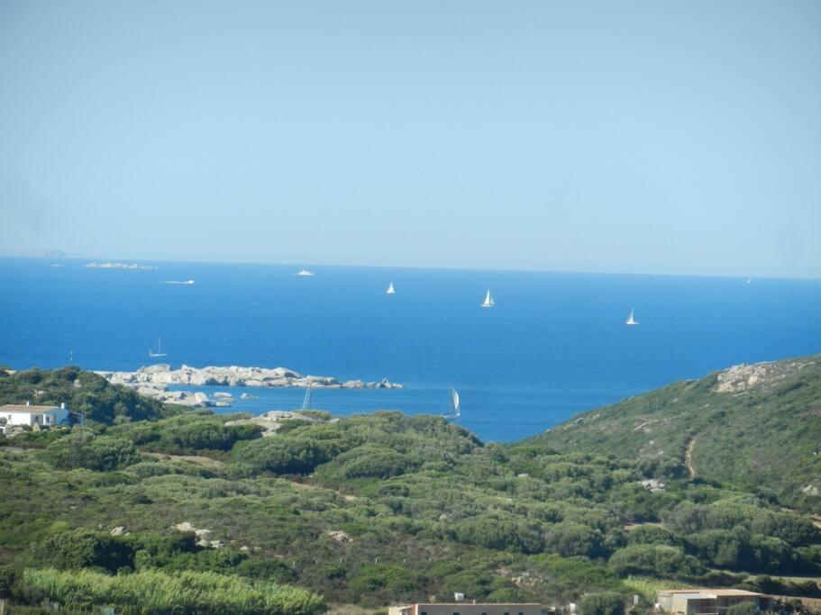 Vista mare verso spiaggia Marmorata e Corsica