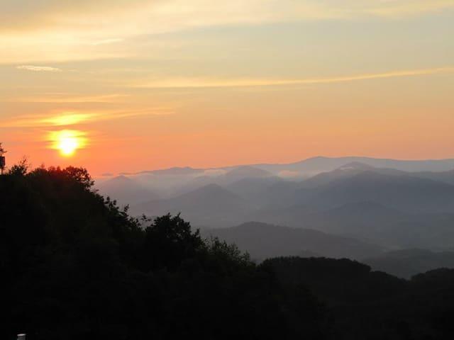 Mountain Air NC Condo (Asheville)