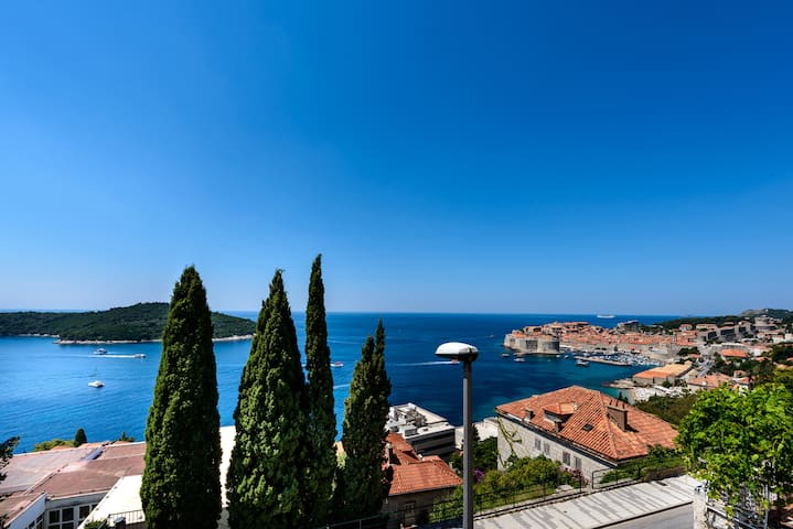 Yellow - Dubrovnik - Pis