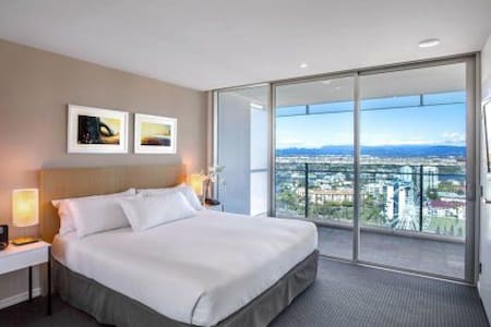 Hilton Surfers Paradise 1-Bedroom Luxury Residence - Surfers Paradise