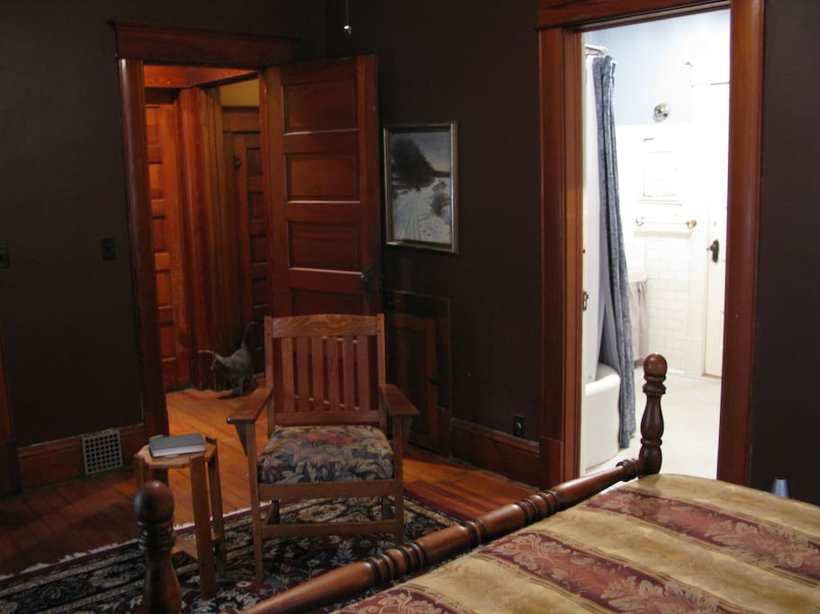 Schollenberger room and bathroom