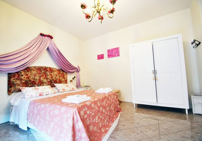 Charming BB in Mantova - Suite room - Curtatone - Bed & Breakfast