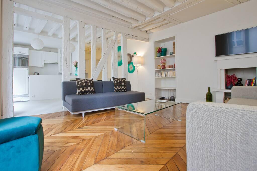 Le salon, TV / The living-room, TV