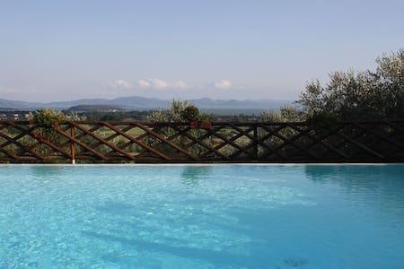 romantic dwelling lake view - Tuoro sul Trasimeno