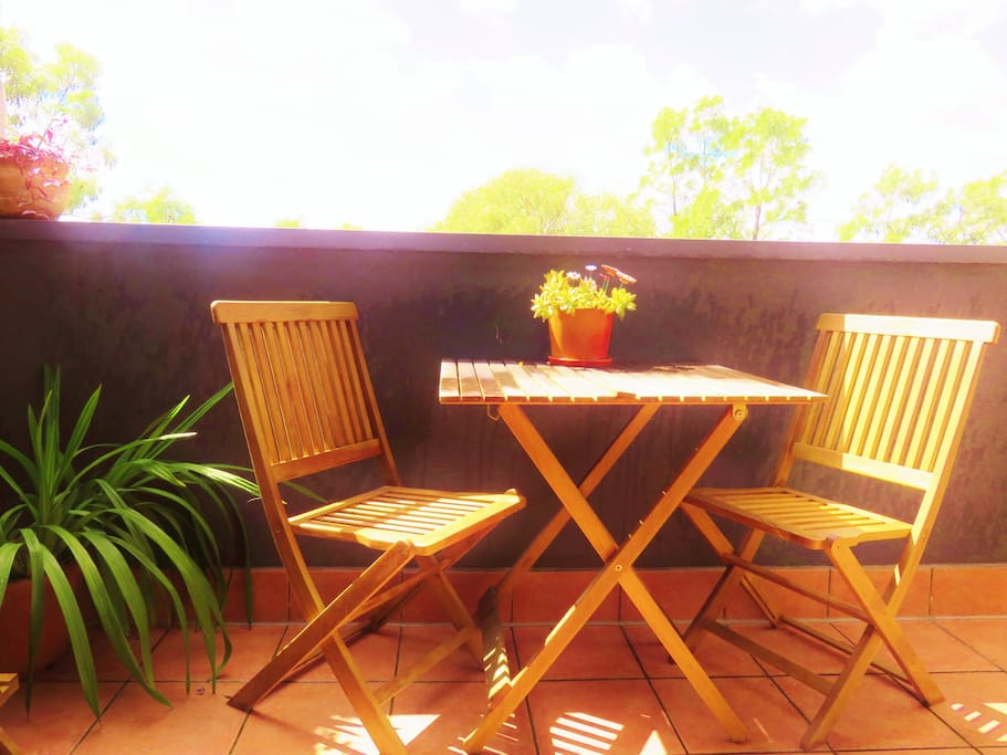 Your own private Balcony overlooking the Merry Creek and Parklands