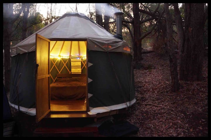 Little Creek Yurt ~ Bush Glamping Jarrahdale