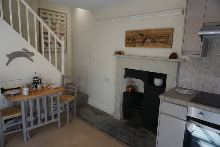 Secluded, character cottage on edge of Kendal Town