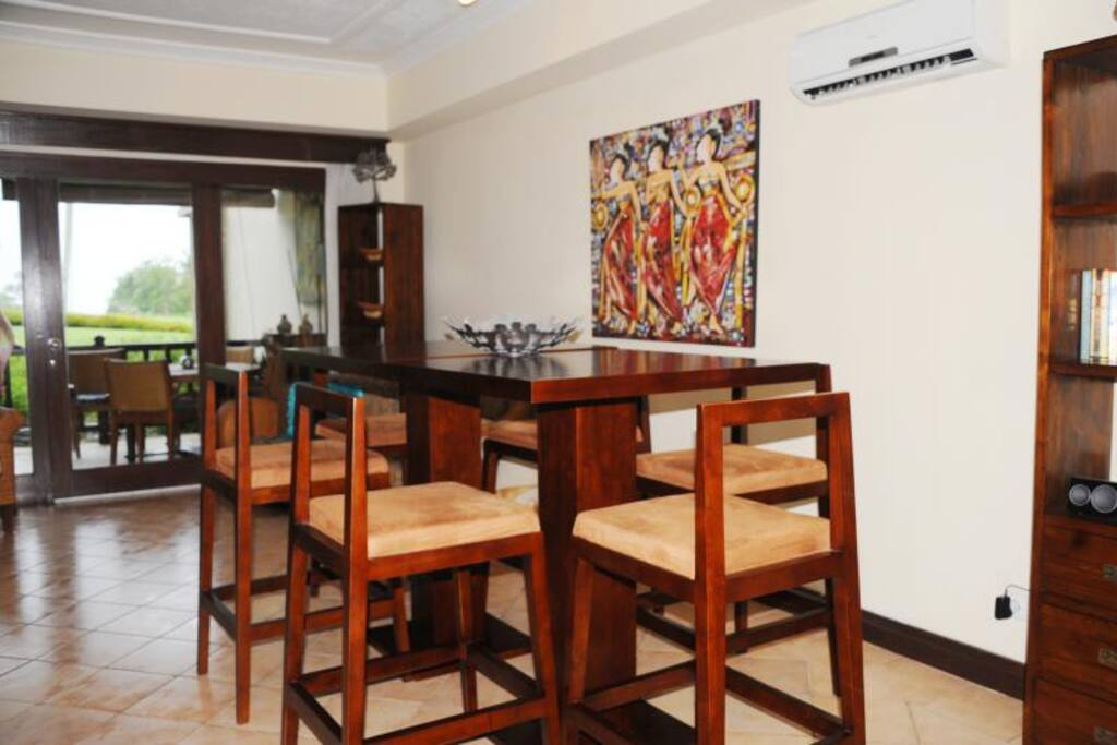 Indoor dinning, with views from golf course to ocean...room service available