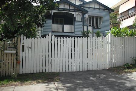 Bedroom in Character Queenslander - Haus