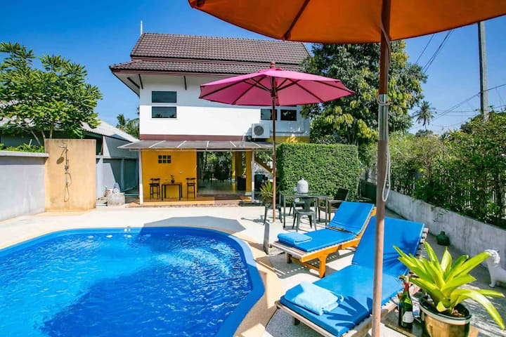 3 bedrooms villa  Thai style