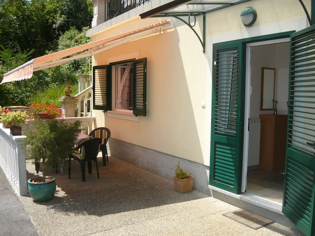 Spacious cosy apartment, sea view - Opatija - Appartement