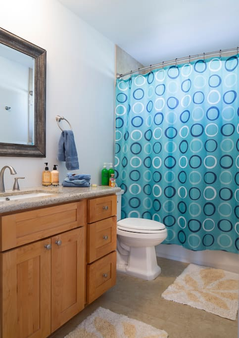 Private Bathroom,with all amenities.Soak in the bath after a long or short Hike.