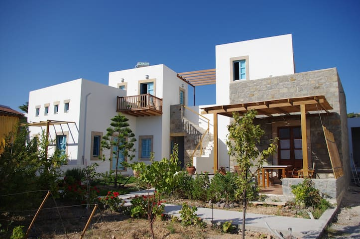 Studio ALIKES in Villa Patmos Netia