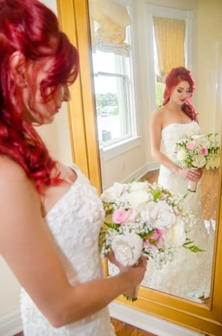 Our bridal suite is a great place for photos, preparing for the big day or honeymooners!
