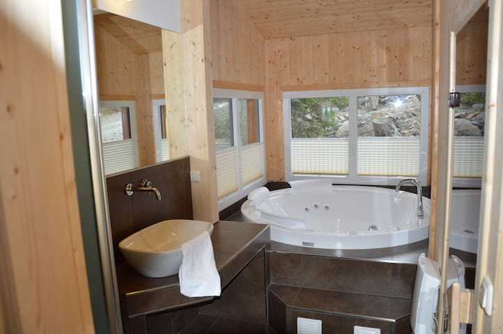 Luxus-Chalet mit Sauna und Jacuzzi - Turracherhöhe - Talo