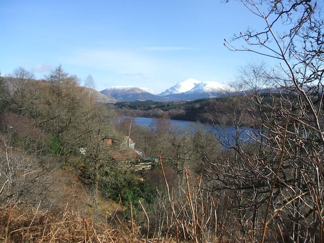 Cruachan Lodge - Loch Awe. Luxurious with hot tub. - Lochawe