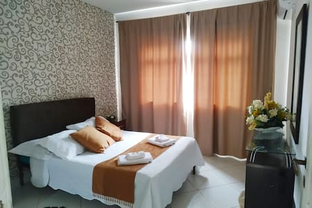 Apartamento espaçoso localizado no centro de Angra