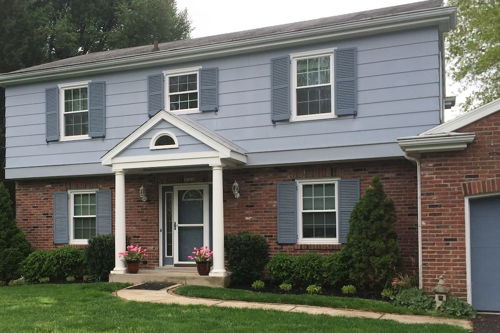 Traditional style Louisville home. Large double wide driveway.