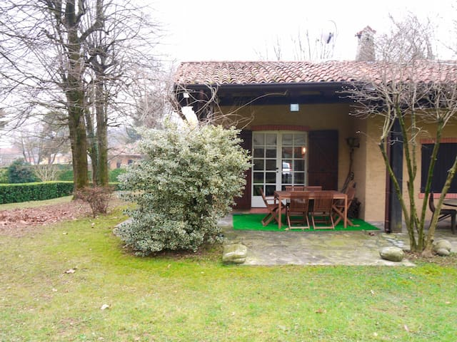 A golf house at the Bergamo-L'Albenza Golf Course - Palazzago - Huis