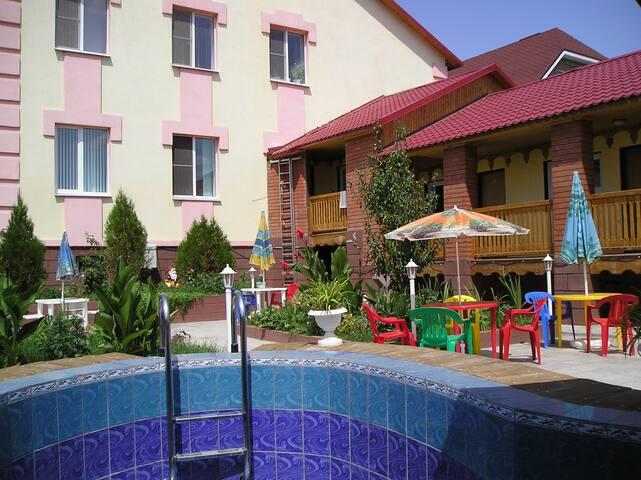 Комнаты с удобствами  - Astrakhan' - Huis