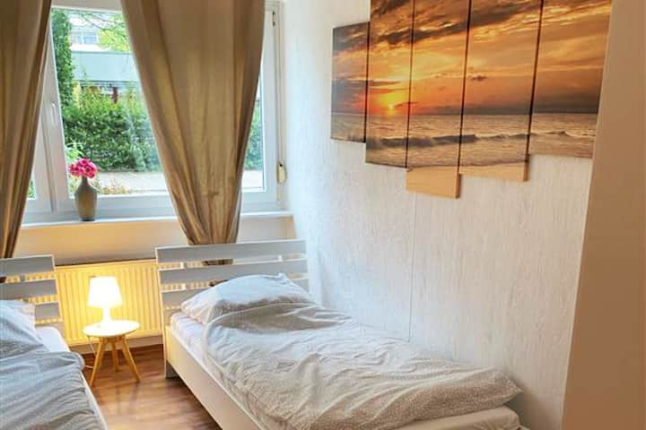 B17 cozy, spacious apartment with balcony in Bergisch Gladbach Bensberg