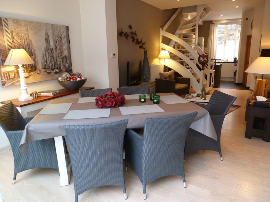 ground floor, livingroom, open kitchen