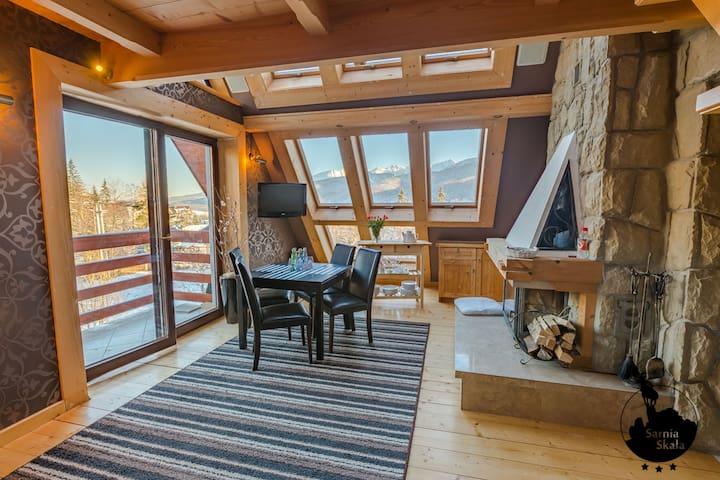 Sarnia Skała - apartament w góralskim stylu